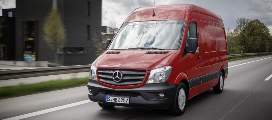 Στην πρίζα θα μπαίνει το νέο Mercedes Sprinter