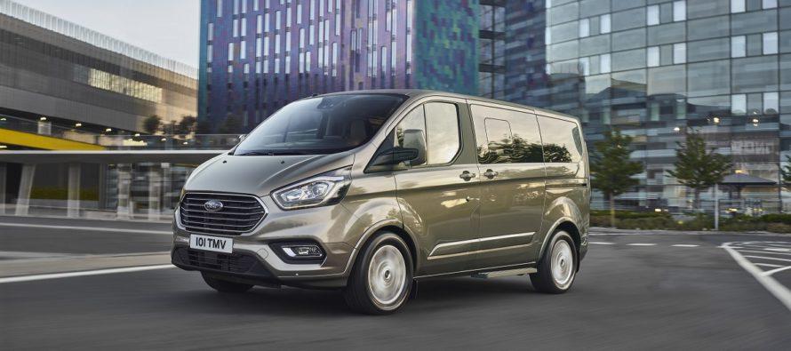 Μέχρι εννέα επιβάτες χωράνε στο νέο Ford Tourneo Custom