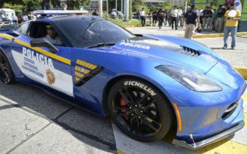 Περιπολικό μια Chevrolet Corvette Stingray με ποινικό μητρώο (video)