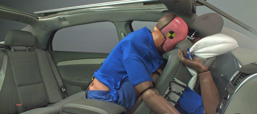 Γιατί είναι απαραίτητη η ζώνη ασφαλείας στους πίσω επιβάτες; (video)