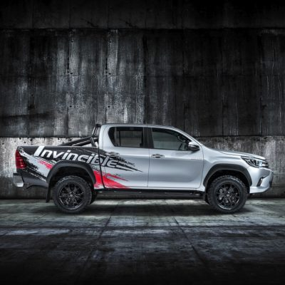 Hilux-Invincible-50-show-car-Side