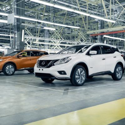 147359_Nissan_Murano_in_production_at_Saint_Petersburg_plant