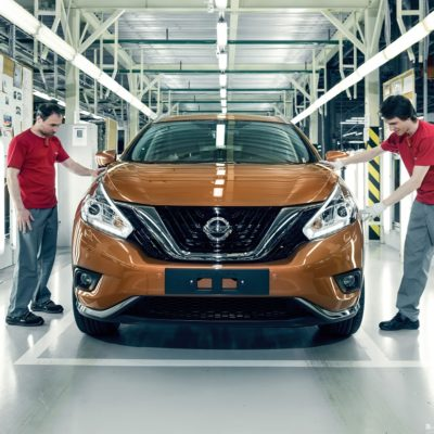 147360_Nissan_Murano_in_production_at_Saint_Petersburg_plant