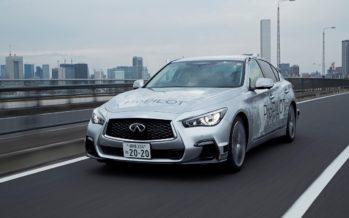 Το Infiniti Q50 κινείται μόνο του στους δρόμους του Τόκιο