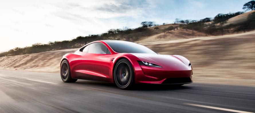 Ξεπερνά τα 400 χλμ./ώρα το νέο Tesla Roadster (video)