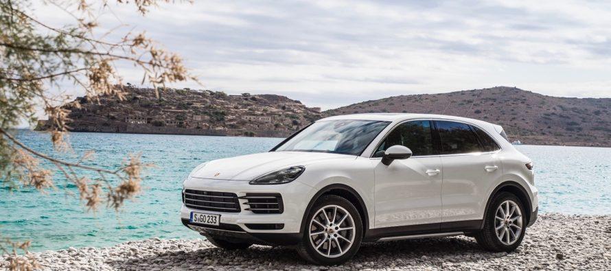 Η νέα Porsche Cayenne ανακαλύπτει τις ομορφιές της Κρήτης