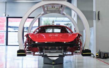 Στα άδυτα του εργοστασίου της Ferrari (video)