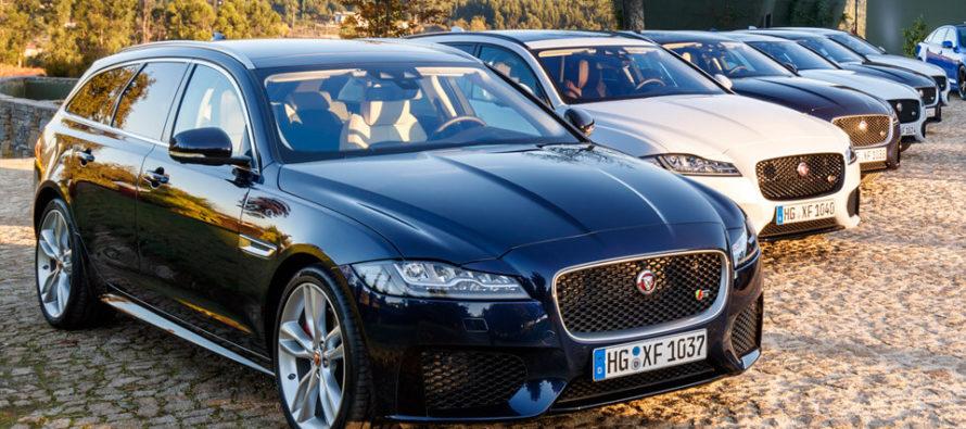 Ποιος παρήγγειλε τριάντα Jaguar XF Sportbrake;