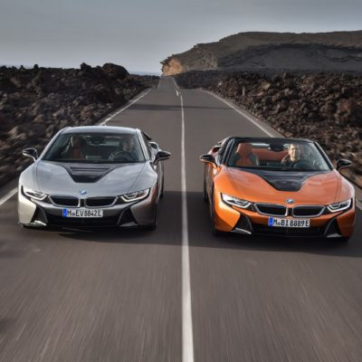 2019-BMW-i8-Roadster-Coupe-38