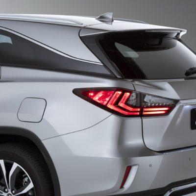2019-Lexus-RXL-7