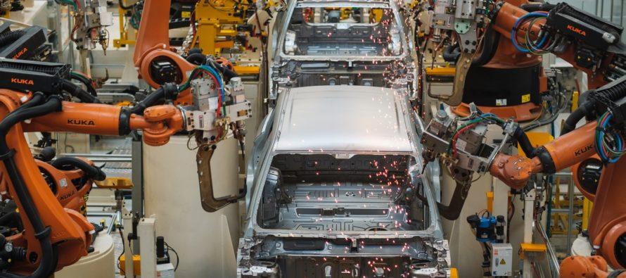 Γιατί σταματά η παραγωγή 553 οχημάτων στην Κίνα;