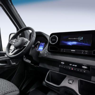 Mercedes-Sprinter-2