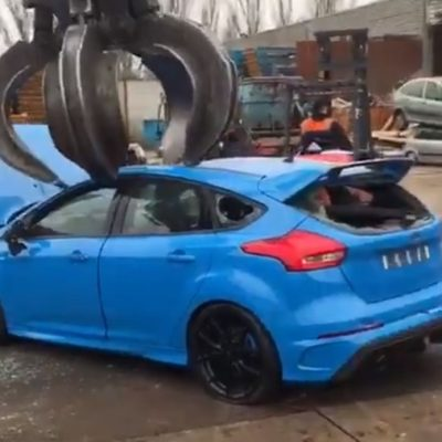 ford-focus-rs-crushed-junk-yard-2