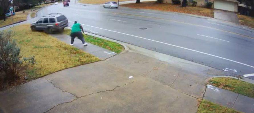 Ένα Jeep Grand Cherokee εναντίον πεζού (video)
