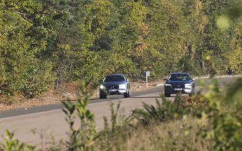 Το Volvo ΧC60 τα βάζει με τον εαυτό του (video)