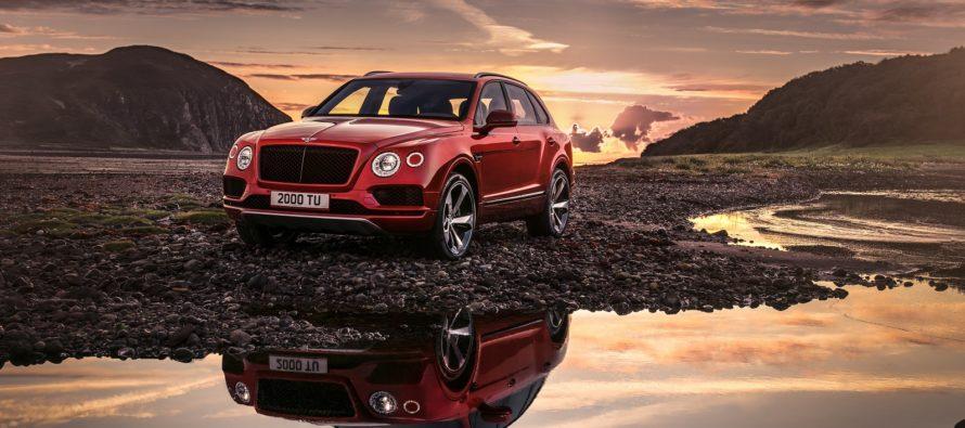 Η Bentley Bentayga σε ανάβαση που περιλαμβάνει 156 στροφές