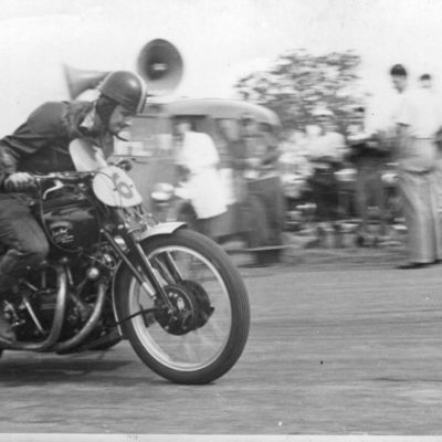 Castlereagh-Speed-Trials-1952-Ehret-on-sidecar-powers-off-the-line