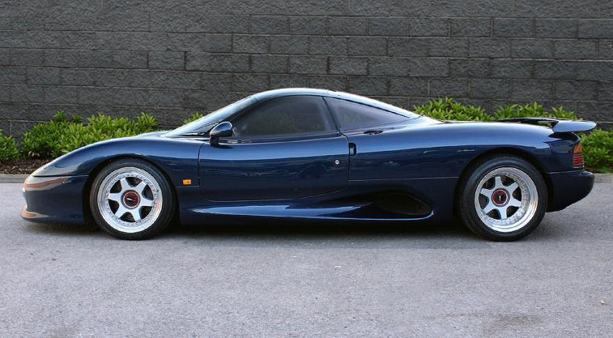 Η αειθαλής Jaguar XJR-15 ψάχνει νέο ιδιοκτήτη | AutoExcellence