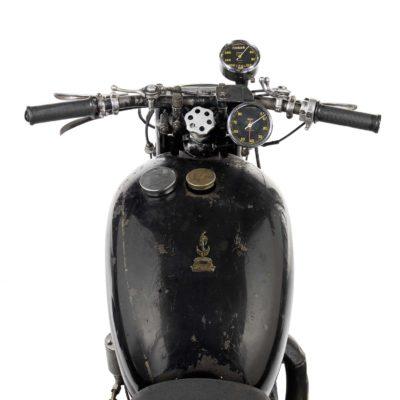 Vincent-Lightning-speedos-and-tank_comp-3343