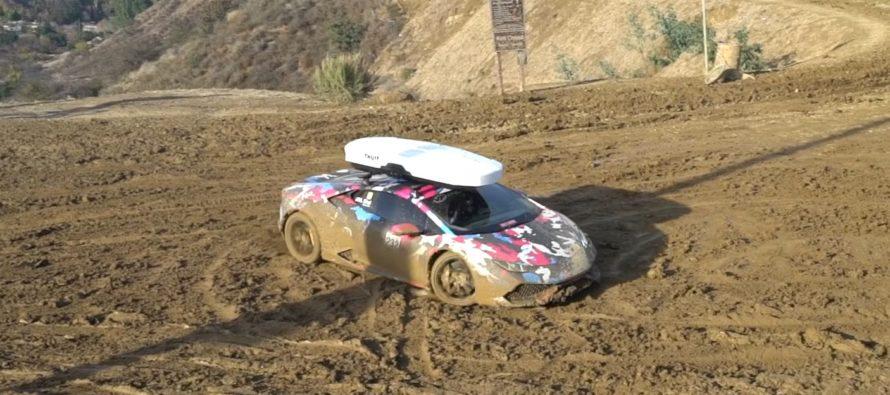 Στις λάσπες κυλίστηκε μια Lamborghini Huracan (video)