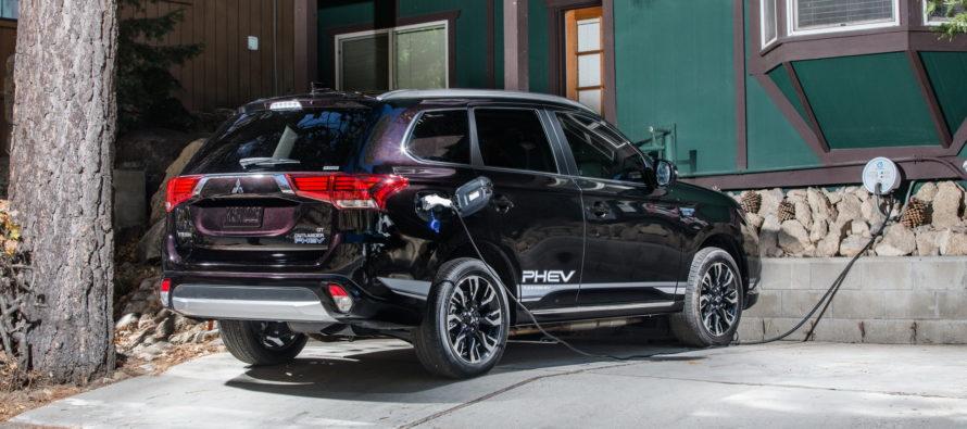 Πόσοι φορτίζουν το Mitsubishi Outlander PHEV;
