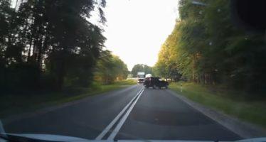 Ένα ανεξήγητο τροχαίο ατύχημα (video)