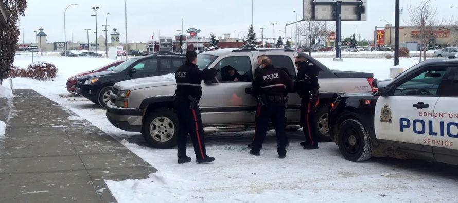 Επ' αυτοφώρω σύλληψη κλέφτη αυτοκίνητου (video)