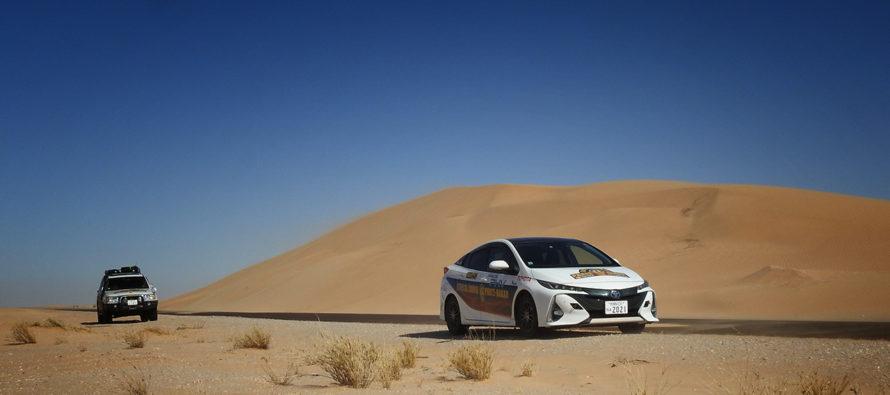 Το Toyota Prius PHV διέσχισε την έρημο της Σαχάρας