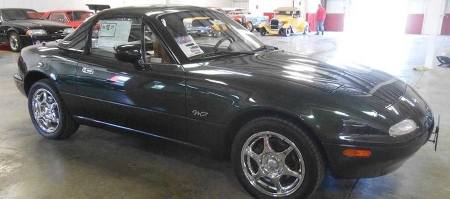 Γιατί αυτό το Mazda MX-5 του 1997 κοστίζει πάνω από 24.000 ευρώ;