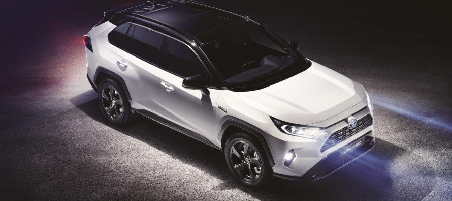 Δυναμικότερο και ανετότερο και νέο Toyota RAV4