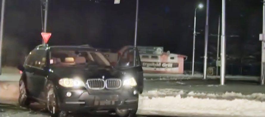 Καταδιώκοντας μια BMW X5 στα χιόνια (video)