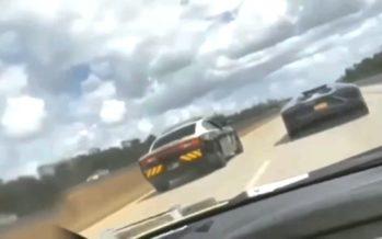 Περιπολικό κοντράρεται με Lamborghini Aventador (video)