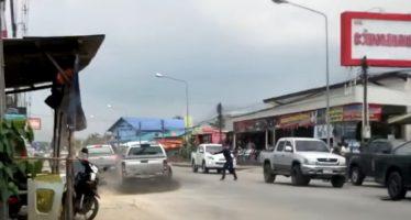 Πυροβολισμοί προς τον οδηγό ενός pickup (video)