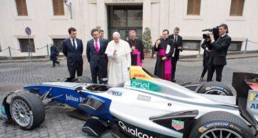 Μονοθέσιο της Formula E με την ευλογία του Πάπα Φραγκίσκου (video)