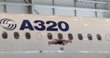 Δείτε πως γίνεται ο τεχνικός έλεγχος αεροσκαφών με drone (video)