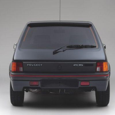 Peugeot-205-GTI-Armor-05