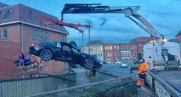 Το πιο αποτυχημένο παρκάρισμα με Porsche 911 Targa 4S (video)