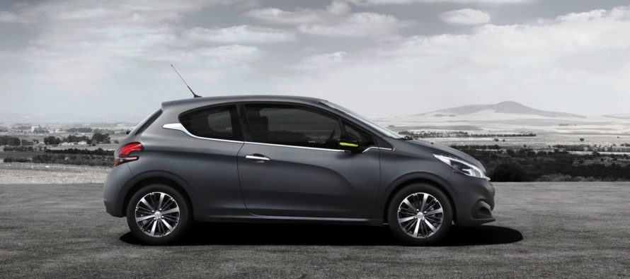 Καταργείται το Peugeot 208 με τρίθυρο αμάξωμα