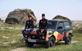 Πιλότοι της Formula 1 οδηγούν το Lada Niva (video)