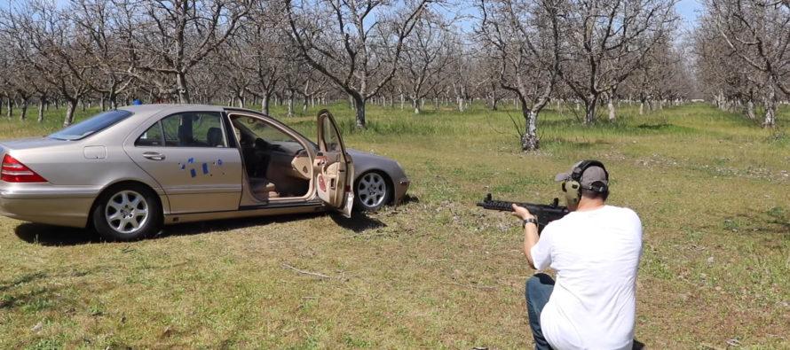 Δείτε μια Mercedes S-Class να δέχεται βροχή από σφαίρες (video)