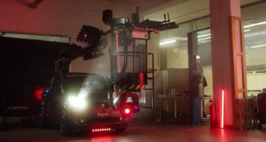 Smart με ηχεία, εξέδρα DJ, φωτορυθμικά και μηχάνημα καπνού (video)