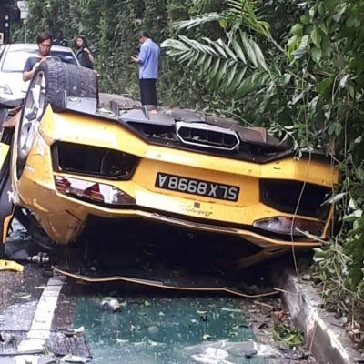 Lamborghini-Aventador-Singapore-Crash-1