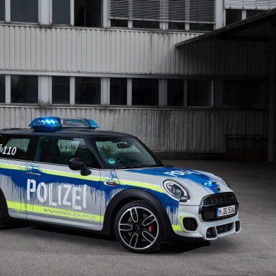 MINIJohnCooperWorks-police-car02