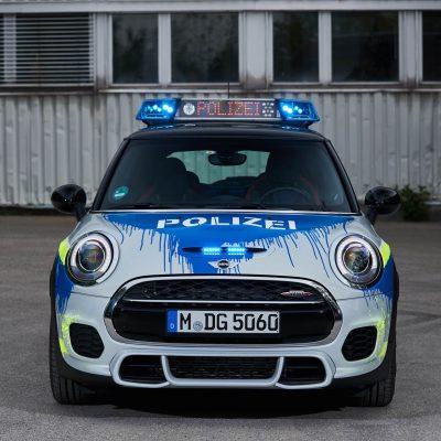 MINIJohnCooperWorks-police-car03