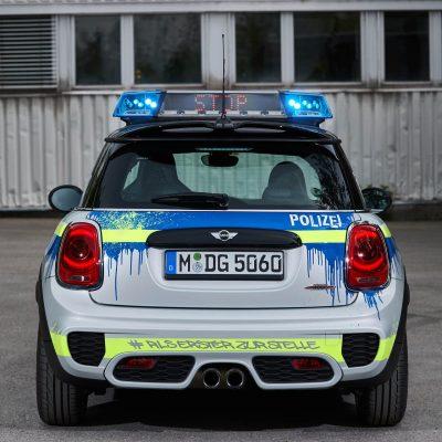 MINIJohnCooperWorks-police-car04