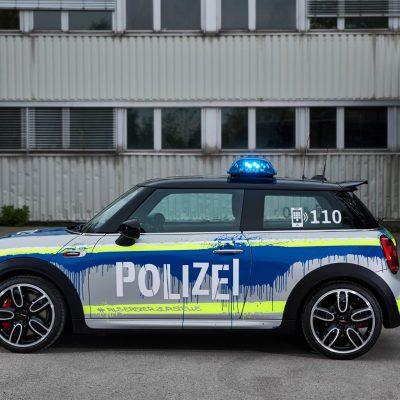 MINIJohnCooperWorks-police-car05