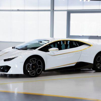 Pope-Lamborghini-Huracan-Auction-4