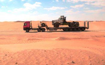 Εξαντλητικές δοκιμές για τα φορτηγά της Mercedes στην έρημο (video)