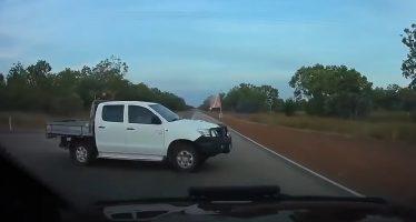 Πλαγιομετωπική σύγκρουση με Toyota Hilux (video)