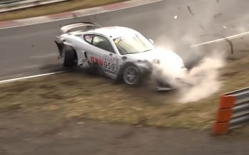 Σμπαράλια έγινε μια Porsche Cayman GT4 στην πίστα (video)